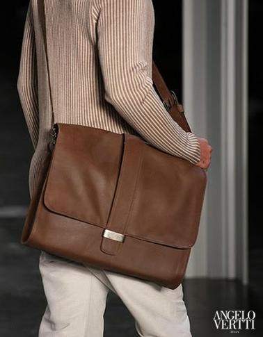 Bolsa-masculina-também-é-tendência-de-moda