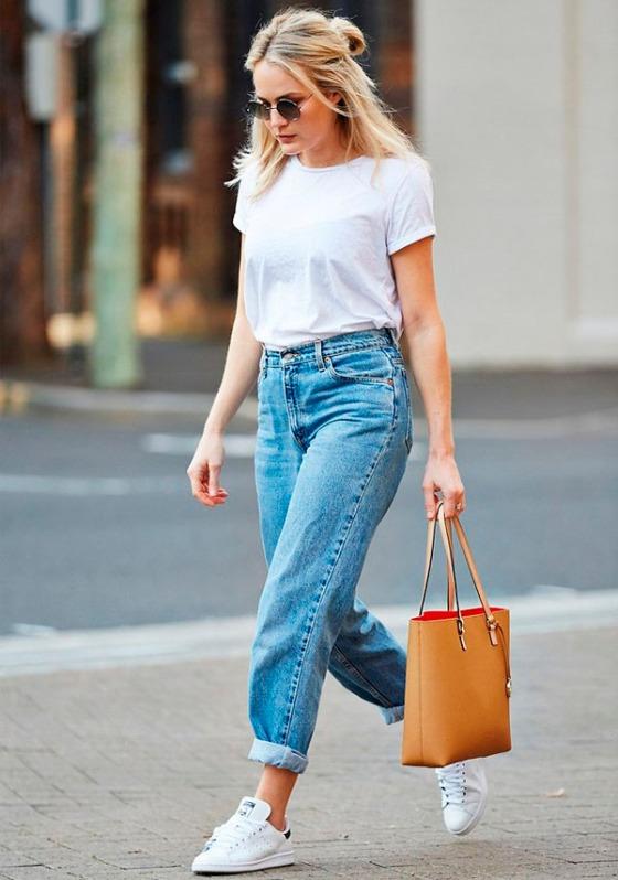street-style-look-inspiracao-jeans-tshirt-tenis-estilo